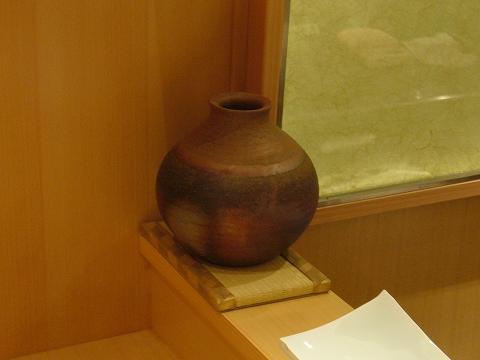 備前焼の壺・畳の置き台