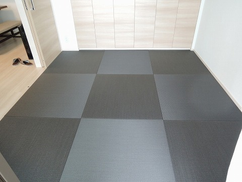縁無しカラー畳〈墨染め色〉・敷き詰め